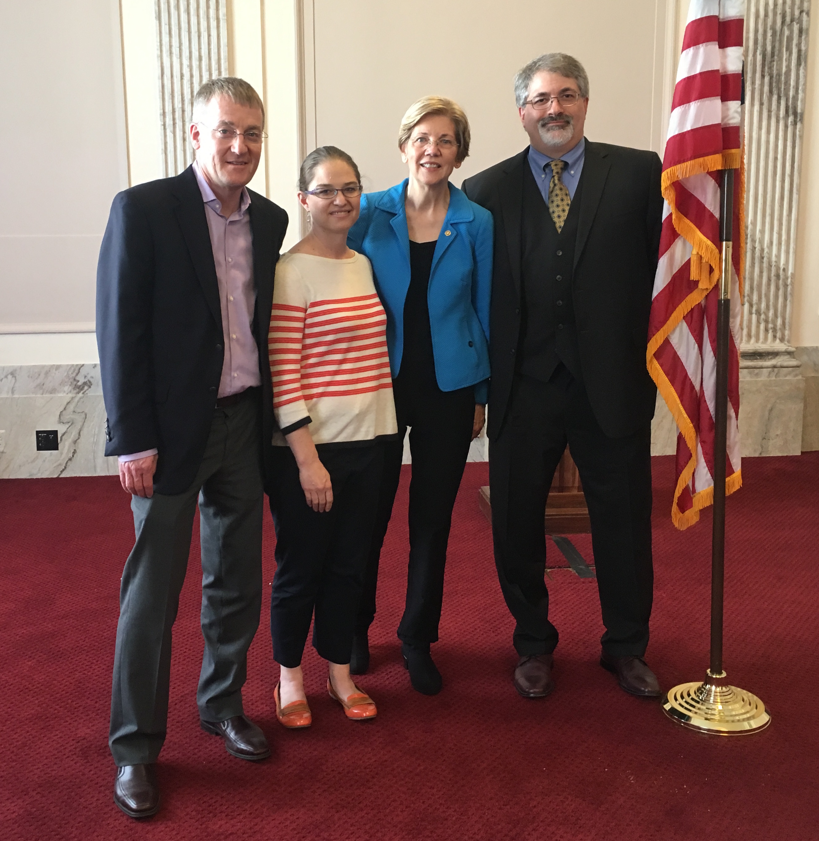 Cell Signaling Technology meets with Senator Elizabeth Warren